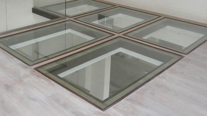 Стеклянный пол и стеклянное ограждение